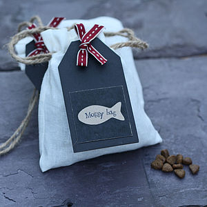preview_delicious-cat-treats-in-gift-bag