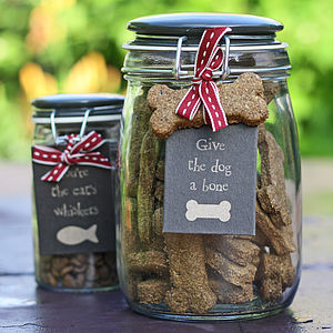 preview_hand-baked-dog-biscuits-in-storage-jar